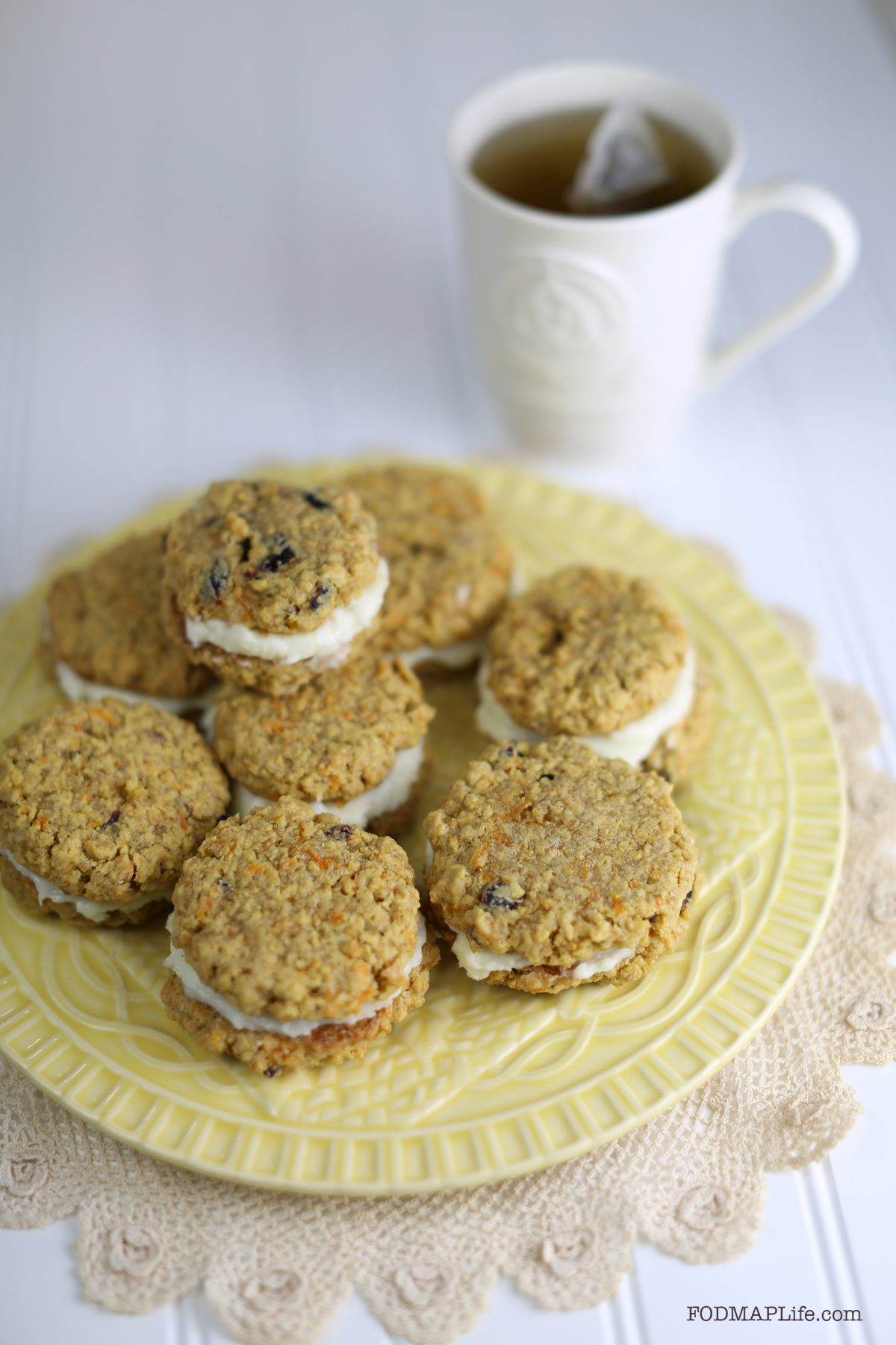 Low-FODMAP Easter – Cream Filled Carrot Cake Cookies